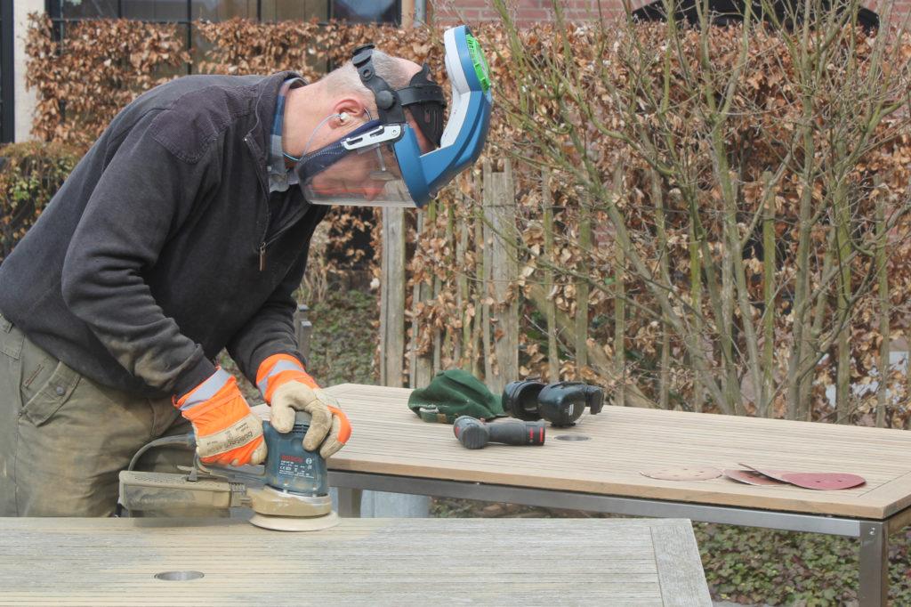 Veilig werken met houtstof: ademhalingsbescherming